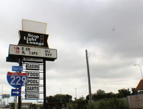Kuipers Helps Sell Stop Light Lounge After 42 Years in Business