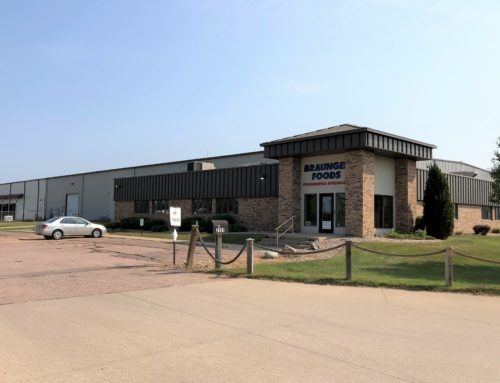 Nick Gustafson Sells Sioux City Distribution Center